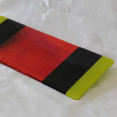Crimson cheese plate with striped ends alt